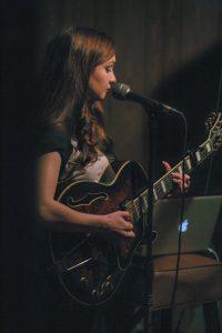 Eva-&-the-Oak-live